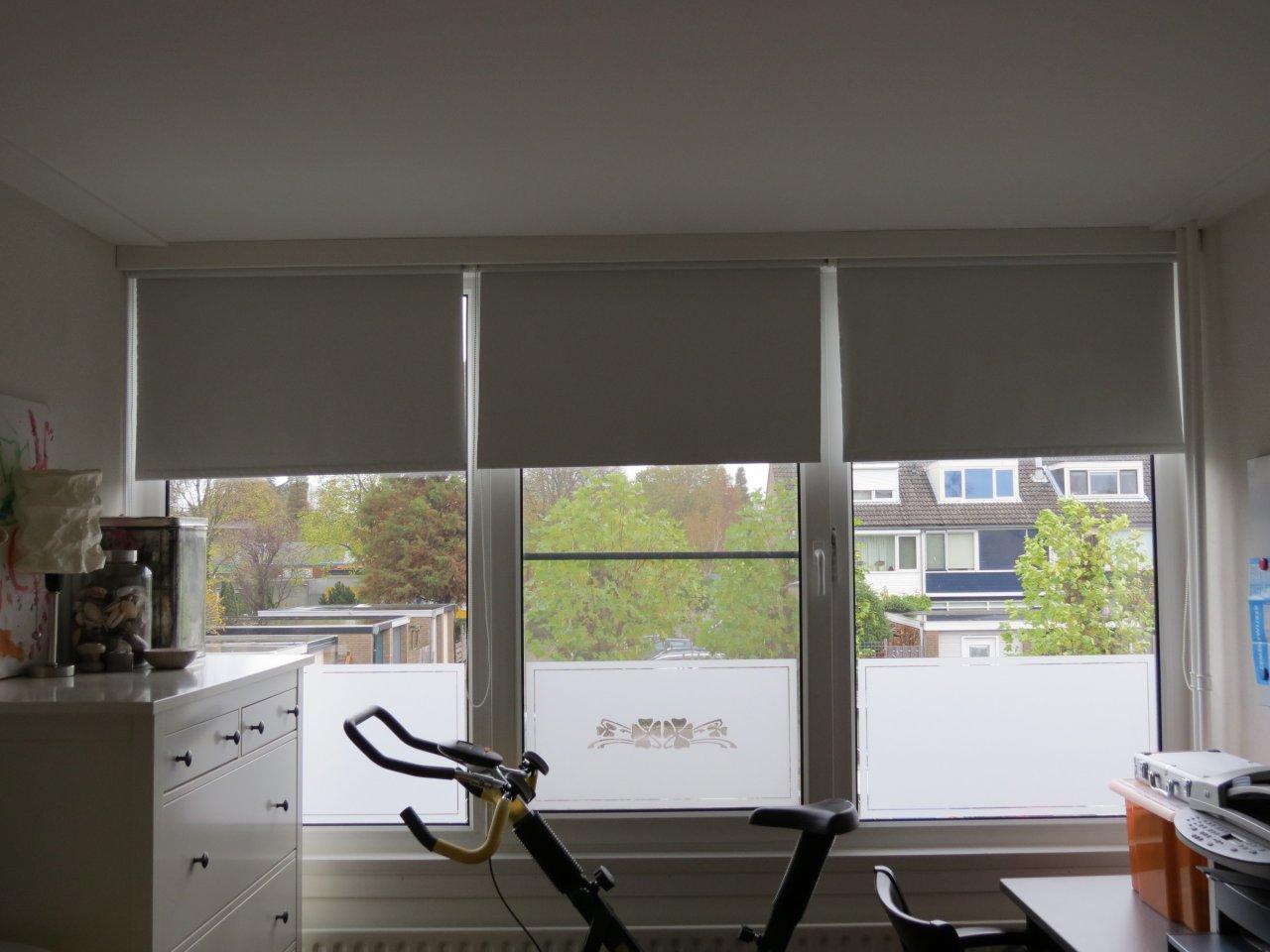 Badkamer zelf ontwerpen: raamstickers, raamfolie en raamteksten ...
